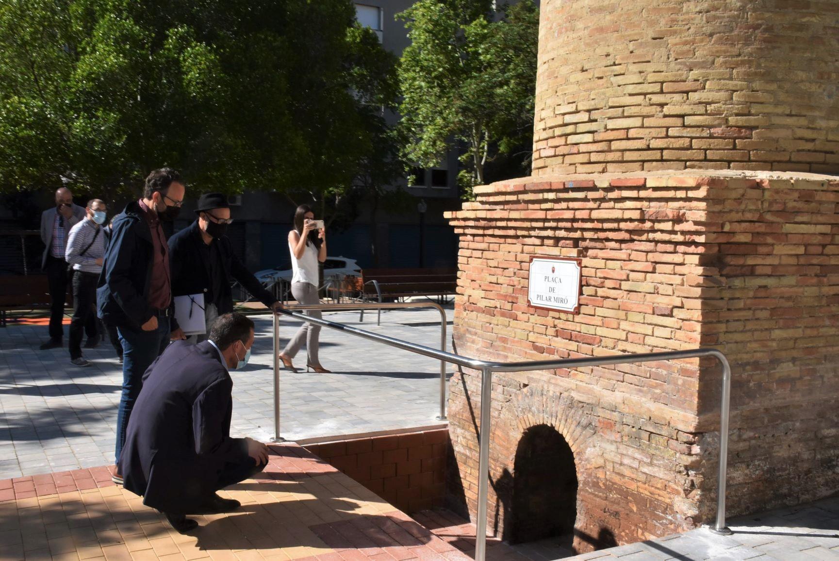 plaza Pilar Miró cenicero de la chimenea de la antigua tejera